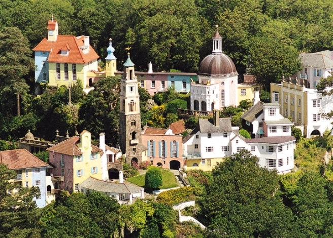 Portmeirion_from_above-720x517.jpg